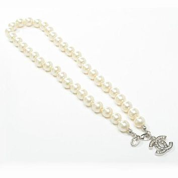Chanel Woman Fashion Logo Pearls Necklace