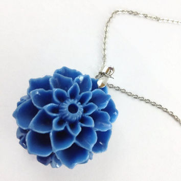 Blue Flower Necklace, Flower Necklace, Flower Jewelry, Clay Pendant, Nature Jewelry, Blue Charm Necklace, Gift for Her