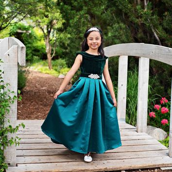 Emerald Green Amelia Classic Velvet & Satin Dress & Sash - Toddler, Girls & Juniors