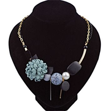 Exquisite Fabric Flowers And Wood Necklace