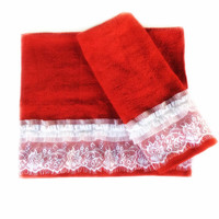 Red decorative towel set of 3, Housewarming gift for Christmas, Lace embellished Towels, Shabby Bathroom Decor, Holiday Powder Room Decor