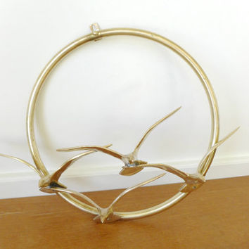 Circular brass bird wall hanging, metal art