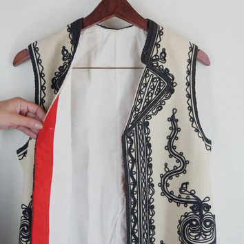 Kalotszegi Embroidery West Balkan Romanian Vest Hungarian White  Background Black  Hand Embroidery Folk Athletic free shipping
