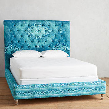 Rug-Printed Orianna Bed