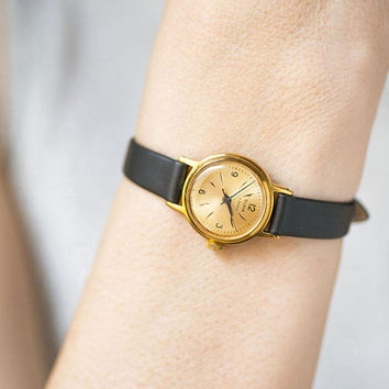 Vintage women's watch Glory, gold plated lady wristwatch, minimalist watch woman watch, classic girl's watch gift, premium leather strap new