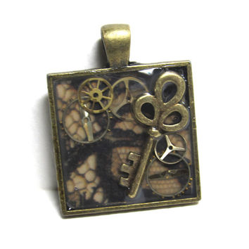 Antique Gold Key Steampunk Square Resin Pendant