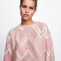 TEXTURED CHEVRON SWEATER DETAILS