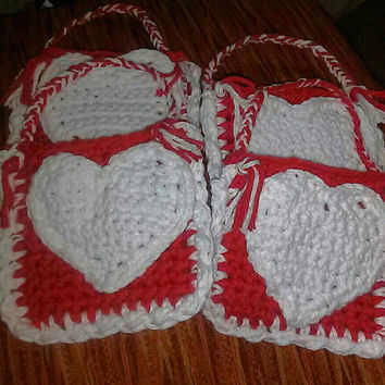 Small Valentine's Day Favor bags, Crochet Valentine's Bags, Crochet Red and White Party Favor Bags, Valentine's Candy Bags, Set of 4 bags