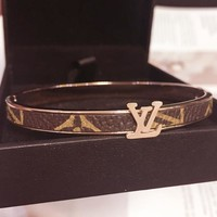 LV bracelet female rose gold simple and stylish bracelet accessories