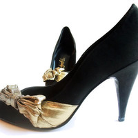 Vintage Evening Shoes High Spike Heel Pumps Black Gold Bow 7 1/2
