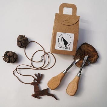 Wooden Deer Necklace I Best mother's day ideas I Hand carved I Wooden and natural jewelry