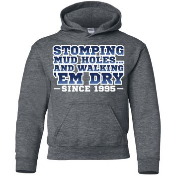 Stone Cold Steve Austin Stomping Mudholes Authentic T-Shirt ()-01 G185B Gildan Youth Pullover Hoodie