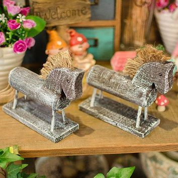 2Pcs Nordic Style Creative Wooden Horse Carving Ornaments  Kids Room Home  Decoration