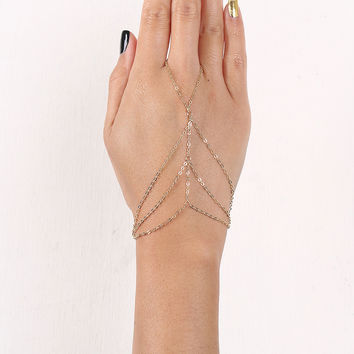 Draped Triangle Curb Link Hand Chain