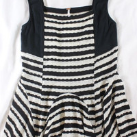 "~~~ THE COOLEST BASIC, EVVVVER! ~~~ FREE PEOPLE STRIPED ""PEPLUM"" KNIT TOP ~ M"