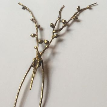 Bronze Hummingbird & String of Pearls Adornment (June)