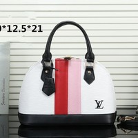 LV Louis Vuitton 2019 new water ripple shoulder slung shell bag White