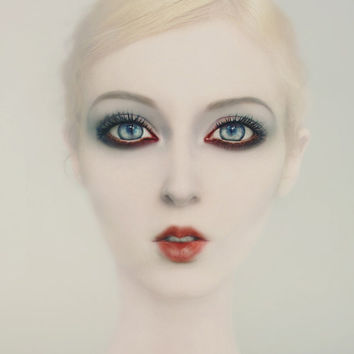 Ethereal Portrait Woman Portrait Woman Photography Dreamy Cream Red Blue eyes