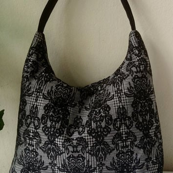 "Hobo Bag brocade, lys flower on ""prince de galles"", zip close, casual chic"