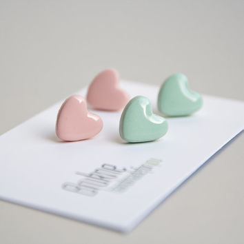 Set of 2 - pastel peach and mint heart stud earrings / Valentine's day earrings / Hypoallergenic post earrings / Polymer clay jewelry