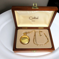 Colibri Engraved Quartz Pocket Watch And Chain In Wood Gift Box Gold Tone Vintage New Never Used Accurate Time Collectible Gift Item 2401