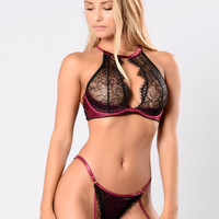 No Clothes On Bra - Cabernet/Black