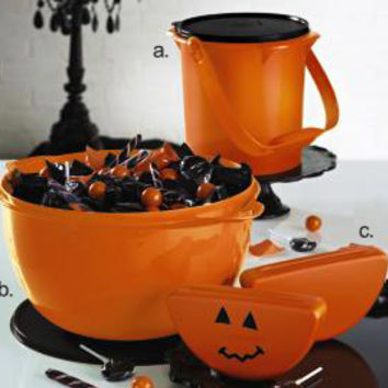 Tupperware | Halloween Collection