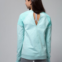 Stretch n' Recovery Pullover | ivivva