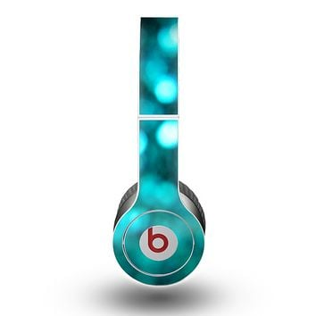 The Unfocused Subtle Blue Sparkle Skin for the Beats by Dre Original Solo-Solo HD Headphones