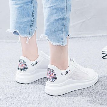 Shoes Woman Sneaker White Shoes Girl Summer Ventilation Embroidery Leisure Lash Net Cloth Hollow Out Student Shoes Women Shoes
