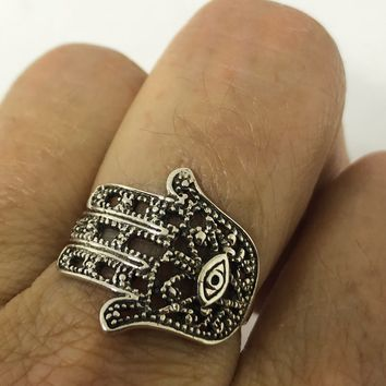 Vintage 1970's 925 Sterling Silver Gothic Hamsa Hand of God Ring