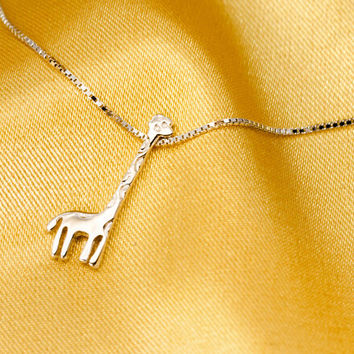925 sterling silver cute giraffe necklace,cute sweet giraffe necklace,a perfect gift