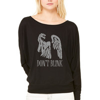 don't blink WOMEN'S FLOWY LONG SLEEVE OFF SHOULDER TEE