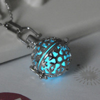 Gift Jewelry Shiny Stylish New Arrival Hot Sale Strong Character Noctilucent 3-color Pendant Necklace [8026088583]