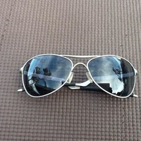 Oakley Warden Men's Aviator Sunglasses Silver/Grey