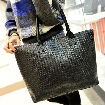 Autumn new fashion handbags High quality PU leather Women bag Large capacity woven lattice shoulder bag Wild leisure Female bag