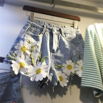 Hot Shorts 2018 Summer Plus Size Fashion Women Denim  New Daisy Embroidery Appliques Hot  Loose Slim Hole Short Jeans 64563AT_43_3