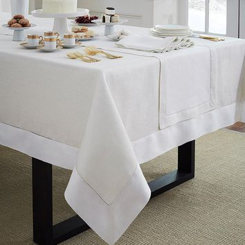 Reece Oblong Tablecloths by Sferra