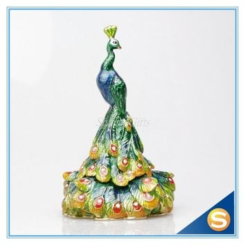 Peacock  tail jewelry display metal figurine hand-crafted peacock crafts wedding return gifts
