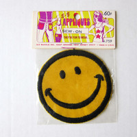 70s Groovy Authentic Retro Embroidered Iron-On Hippie Patch -- CLASSIC SMILEY FACE! (New Old Stock)