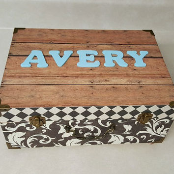 Memory Box, Avery, black and white