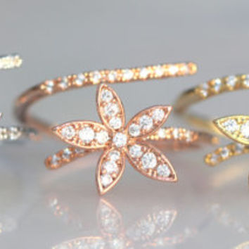Mountain lily flower ring / adjustable / pretty and gorgeous