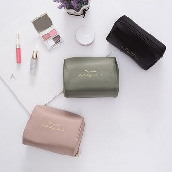 To Make Each Day Count Makeup Cosmetic Organizer  Bag