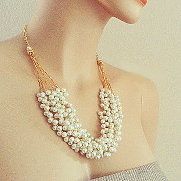 Pearl Wedding Necklace, Bridal Chunky Necklace, Weddings Jewellery, Gold and Pearl Necklace, Vintage Weddings, Pearl Bib Necklace