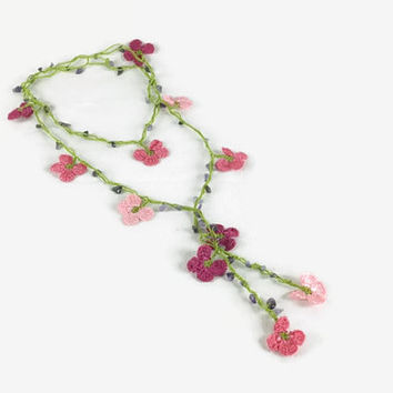 Pink oya flowers crochet lariat necklace, strand necklace with natural stone beads , Vegan friendly, metal free jewelry, gift for her