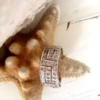 Vintage engagement ring,18 K White gold diamond ring,Diamond Greek Key Pattern Ring