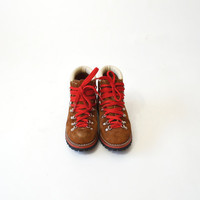 Vintage Brown Leather Hiking Boots with Red Laces - Women's 7/7.5M