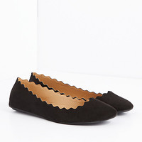 Black Scalloped Ballet Flat