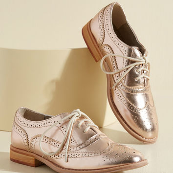 Talking Picture Oxford Flat in Rose Gold | Mod Retro Vintage Flats | ModCloth.com