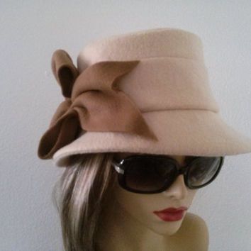 Chic and feminine fedora style hat.